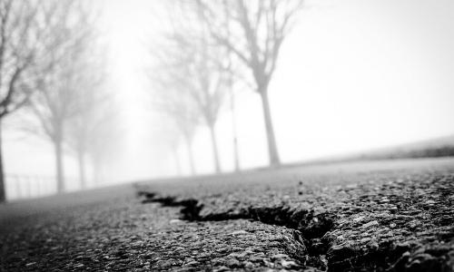 Split in ground